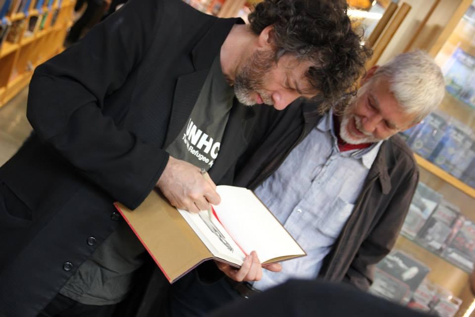 Alejo Cuervo amb en Neil Gaiman