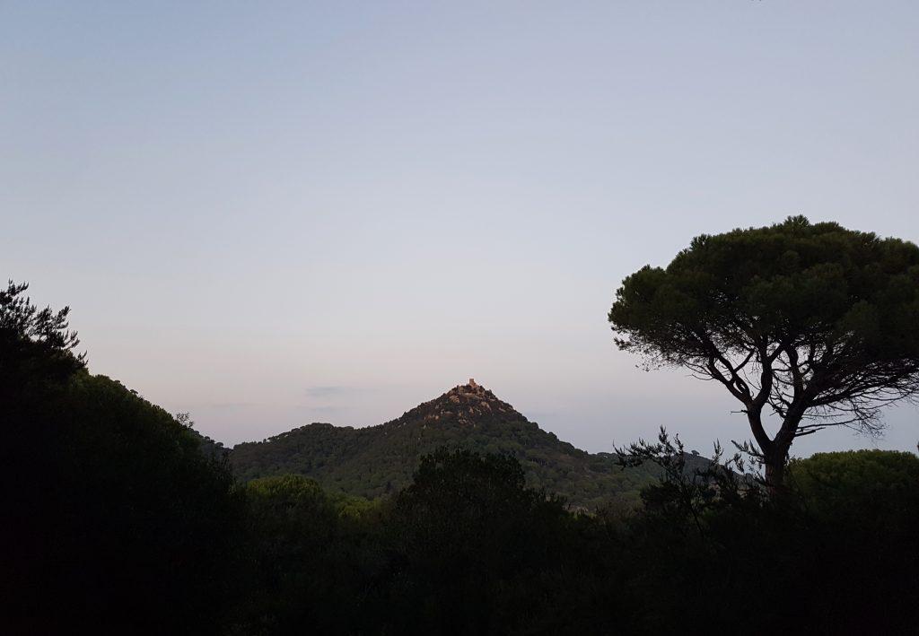 Vistes del Castell de Burriac del Turó de l'Infern ençà