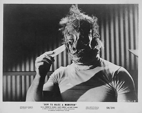 """Fotograma de la pel·lícula, """"Com fer un monstre"""" (1958), d'en Herbert L. Strock."""