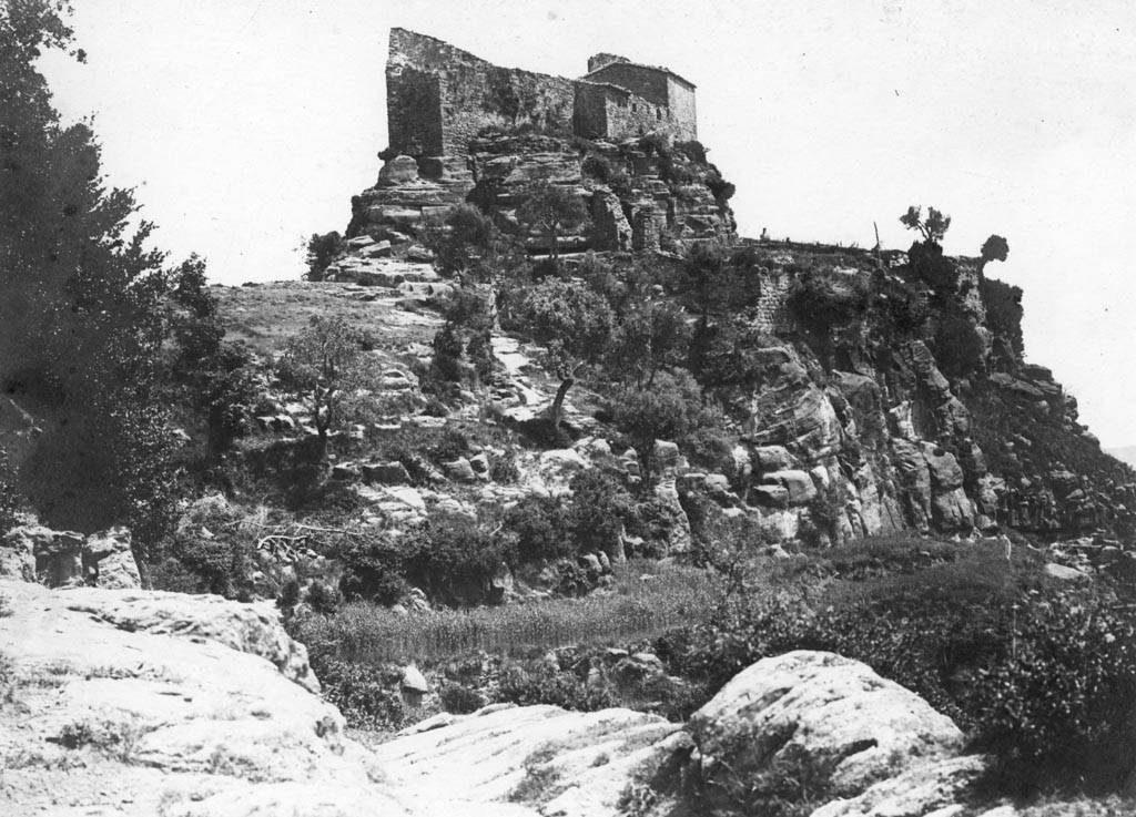 Antic castells dels vescomtes de Bas
